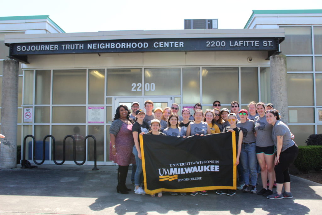 UW-Milwaukee Honors College students give back with service trip to New Orleans