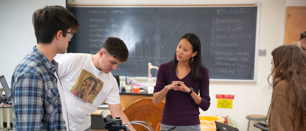 Photo of UW-Eau Claire biology class - Students work on a lab in Nora Mitchell's biology class.