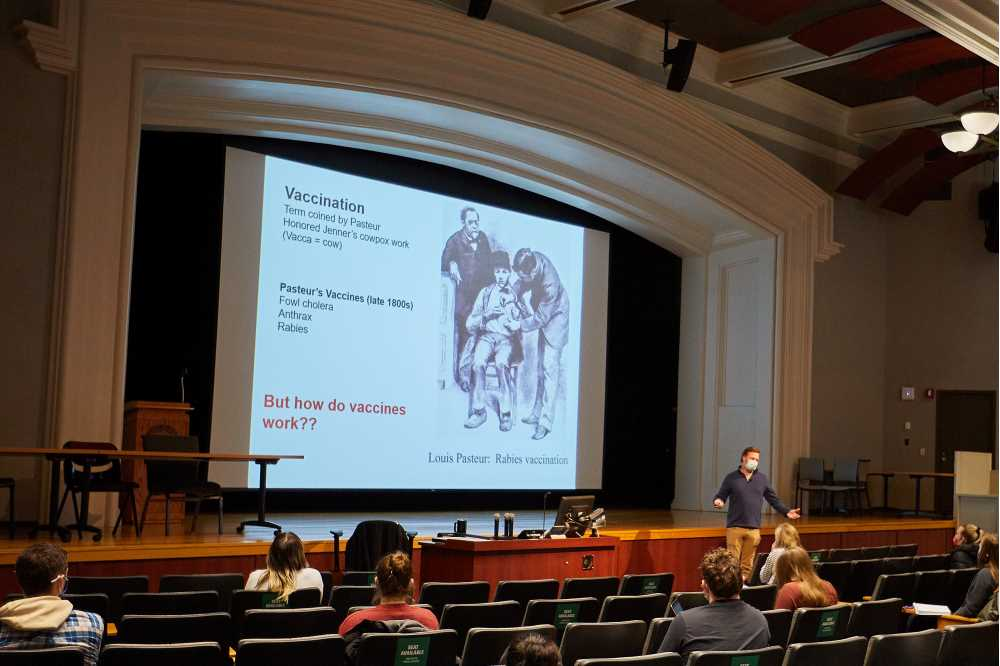 Photo of Peter Wilker, associate professor of microbiology, lecturing during an immunology class at UW-La Crosse.