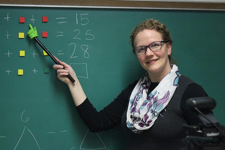 Photo of UWM alum Susan Richardson teaching third grade at Milwaukee's German Immersion School. (Photo courtesy of Susan Richardson)