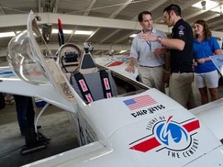 Gov. Scott Walker learns about planes