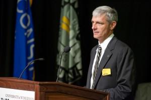 UW-Milwaukee Chancellor Mike Lovell