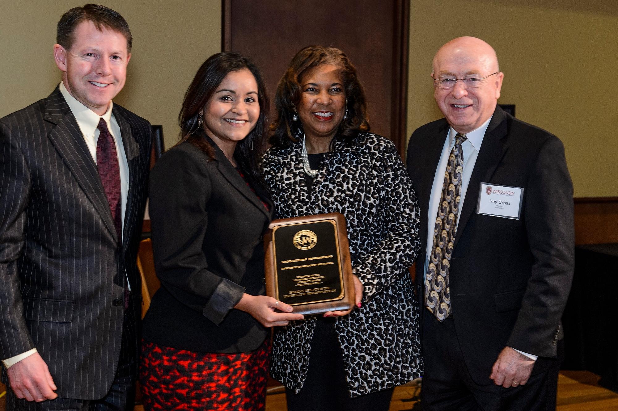 Claudia Guzmán group award