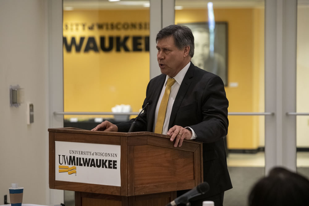 Photo of Regent President Manydeeds speaking at the podium