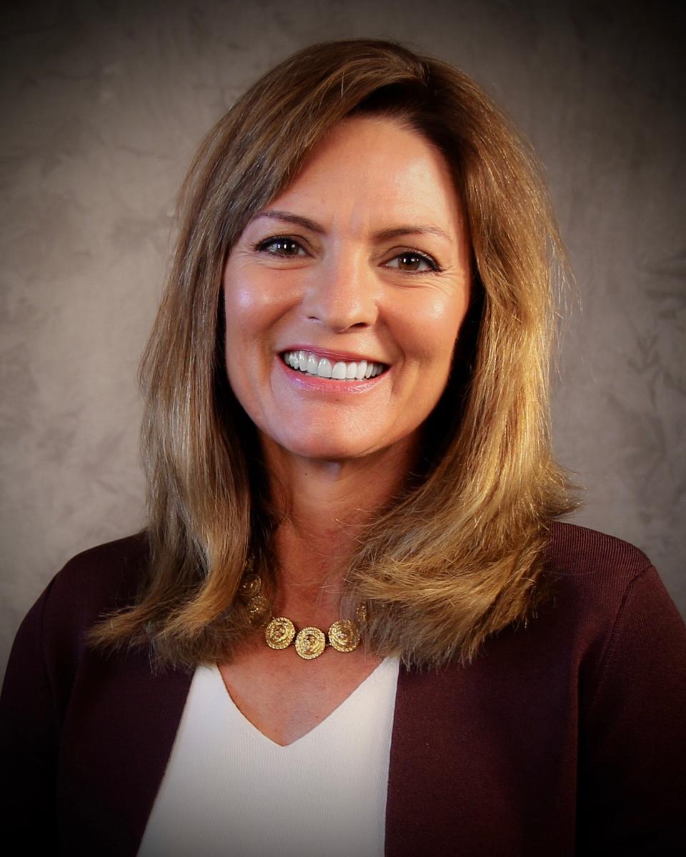 Photo of UW-Superior Chancellor Renee Wachter
